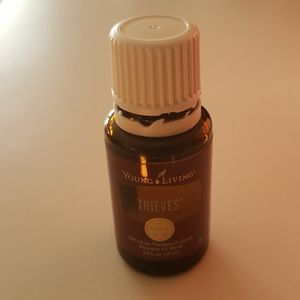Young living essential Oils Thieves